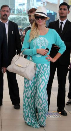 Paris Hilton spotted at Mumbai airport