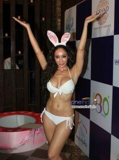 Sofia Hayat Celebrates her Birthday By Exposing in Bikini
