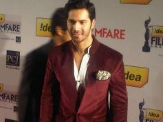 Varun Dhawan at Filmfare Awards 2013