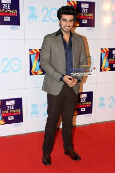 Arjun Kapoor at Zee Cine Awards 2013 Red Carpet