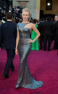 Naomi Watts at  2013 Oscar Awards  Function