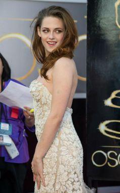 Kristen at 2013 Oscar Awards  Function
