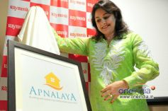 Anjali Tendulkar unveiling new logo of Apnalaya NGO at The Raymond Shop
