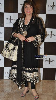 Zarine Khan at Champagne evening at Icasa