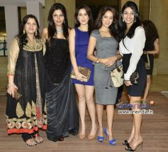 Abha Gupta, Nisha Jamvwal, Sagarika Ghatge, Vidya Malavade and Priyanka Gupta
