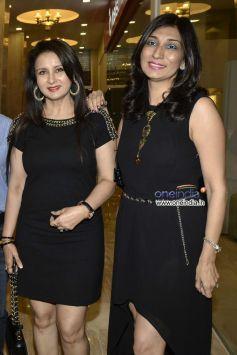 Poonam Dhillon and Rishma Dhillon Pai