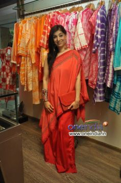 Azmina Rahimtoola at Preview of Krishna Mehta Collections