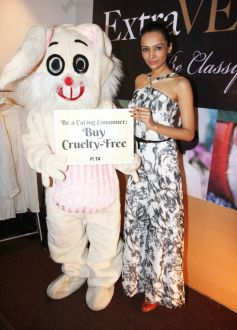 Dipannita Sharma PETA promotes Extra-Vegan-Za at Indian Luxury Expo
