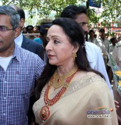 Hema Malini at Inaugration of Malabar Gold And Diamonds