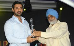 John Abraham honoured with the Creative Entrepreneur of the Year at the NDTV Profit Business Leaders