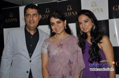 Sunil and Kiran Datwani with Shaina NC