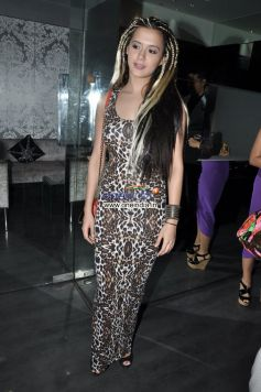Isha Sherwani at Launch of Gehna Jewellers Unique Ring collection