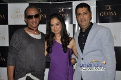 James Ferriera with Kiran and Sunil Datwani of Gehna Jewellers