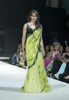 Bipasha Basu Walk the Ramp at Archana Kochhar's Label 24 Fashion Show