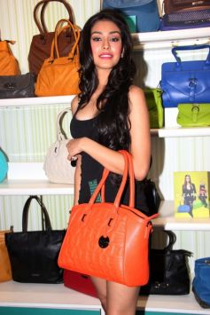 Navneet Kaur Dhillon, Miss India 2013 at Caprese Spring Summer 2013 Collection