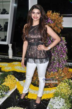 Prachi Desai at Inauguration of 10 Jewel Diamond Store