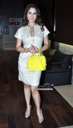 Kim Sharma at launch of Dr Dinyar's book on perfect skin