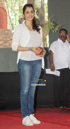 Esha Koppikar at World Environment Day Celebration 2013