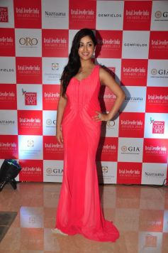 Yami Gautam at Gemfields RioTinto Jeweller India Awards 2013