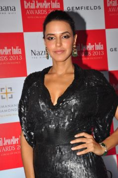 Neha Dhupia at Gemfields RioTinto Jeweller India Awards 2013