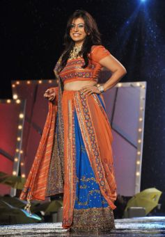 Hina nc and Manish Malhotra's collection for CPAA fashion show