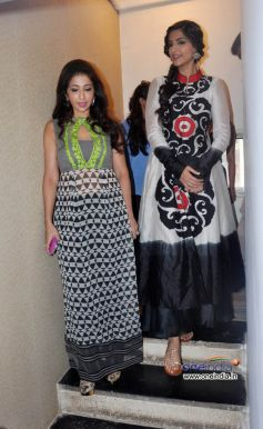 Sonam Kapoor Unveils Latest Issue of Starweek.