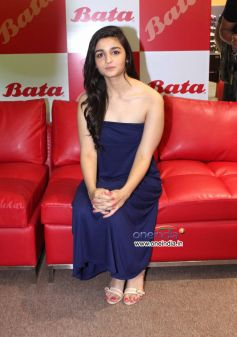 Alia Bhatt in a blue outifit during Inaugration of biggest Bata store