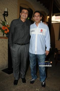 Sanjay Vazirani with Parvez Damania during launch of Cafe B9