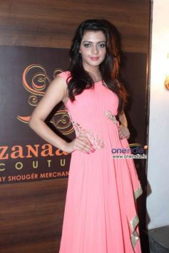 Celebs at Launch of fashion designer Shouger Merchant's store