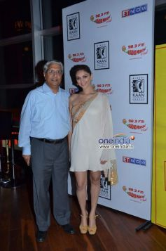 Mr. A. P. Parigi with Aditi Rao Hydari at 10th Mirchi Kaan Awards 2013