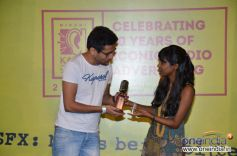 Shilpa Roa giving away awards to the winner