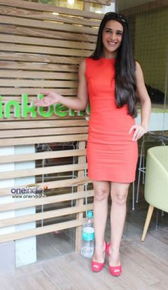 Tara Sharma Inaugrates Pinkberry frozen yogurt store