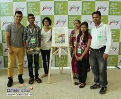 Aamir poses with the winners of Godrej's Ideas that Make Life Brighter competition