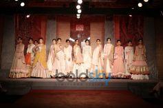 Anju Modi's Couture At DCW 2013