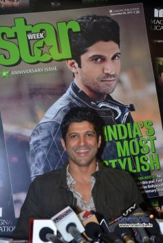 Farhan Akhtar unveils of Star Week magazine September 2013 cover