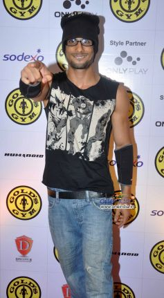 Prateik Babbar at Relaunch of Golds Gym Bandra