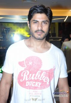 Celebs at relaunch of Golds Gym Bandra