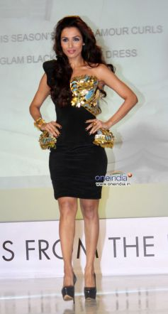 Malaika Arora Khan walk the ramp at Toni and Guy Hair Meet Wardrobe Launch