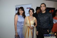 Anita with Karishma & Sagar Parikh at the Sagar Samir International collections Fashion show