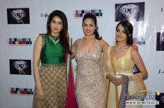 Sagarika Ghatge, Anjana Sukhani & Anita Hassanandani at the Sagar Samir International collections