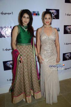 Sagarika Ghatge & Anjana Sukhani at the SagarSamir International collections Fashion show