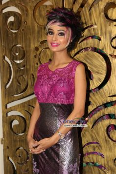 Sara Khan during Rohit Verma's new festive collection launch