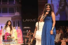 Sona Mohapatra walks the ramp at LFW Winter/Festive 2013 Day 01