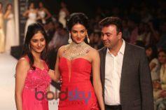 Sonal Chauhan Glitters
