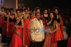 Sushmita Sen Walks For Charu Jewels