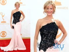 Anna Gunn arrives at the 65th Annual Primetime Emmy Awards held at Nokia Theatre