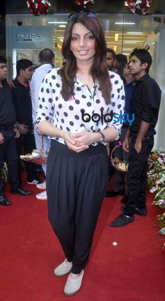 Celebs during Lemon Salon Grand Launch at Bandra