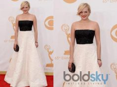Elizabeth Moss arrives at the 65th Annual Primetime Emmy Awards