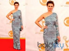 Emily Deschanel arrives at the 65th Annual Primetime Emmy Awards