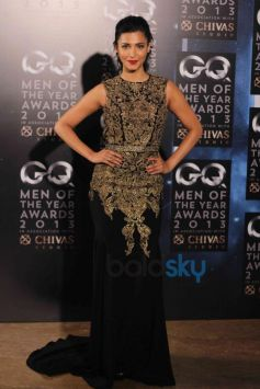 Shruti Haasan in her beautiful costume GQ Man of the Year Award 2013